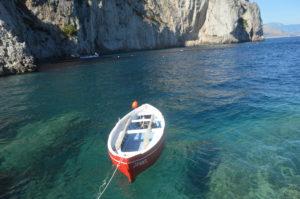 Niedliches Boot vor Capri
