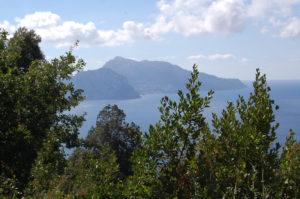 Wandern in Massa Lubrense mit Blick auf Capri