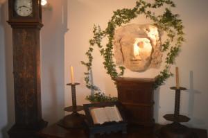 Eine antike Maske in der Villa Axel Munthe